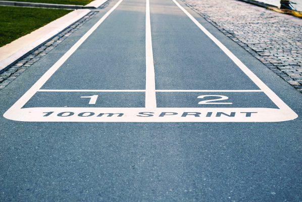 Herausforderung; Wettrennen; Sprintbahn
